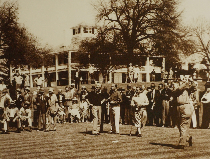 1936: Horton Smith wins his second Masters
