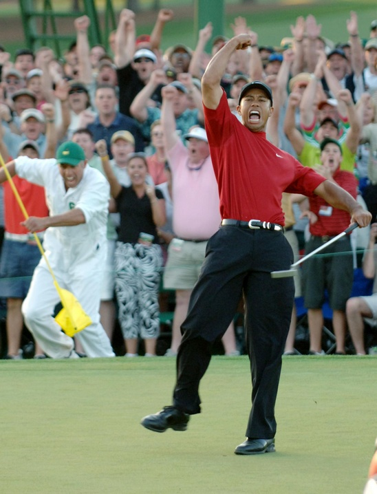 2005: Tiger Woods earns fourth win at Masters